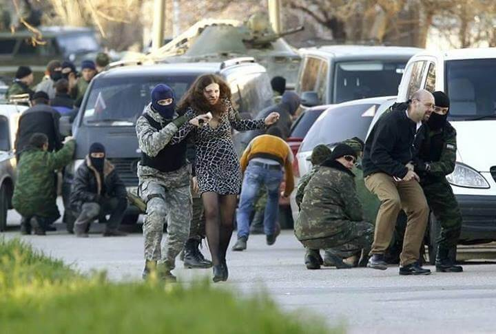 Crimea-Human-Sheilds